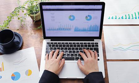 WEBマーケティングの企画と運用で継続的に支援する